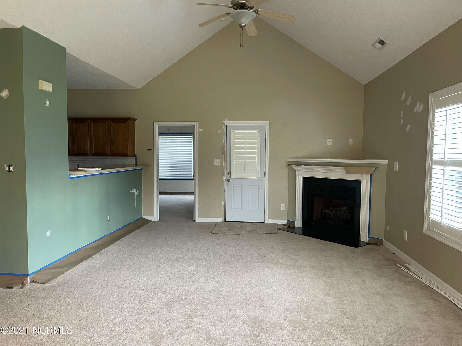 Photo of 124 Whiteleaf Drive, Jacksonville, NC 28546 (MLS # 100287850)