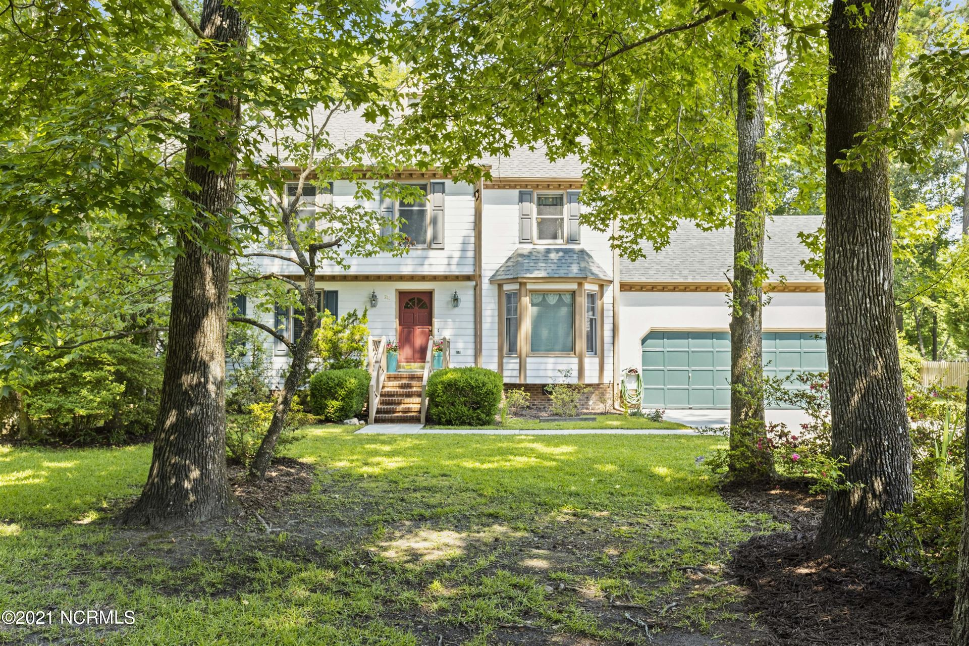 Photo of 211 Westchester Drive, Morehead City, NC 28557 (MLS # 100279851)