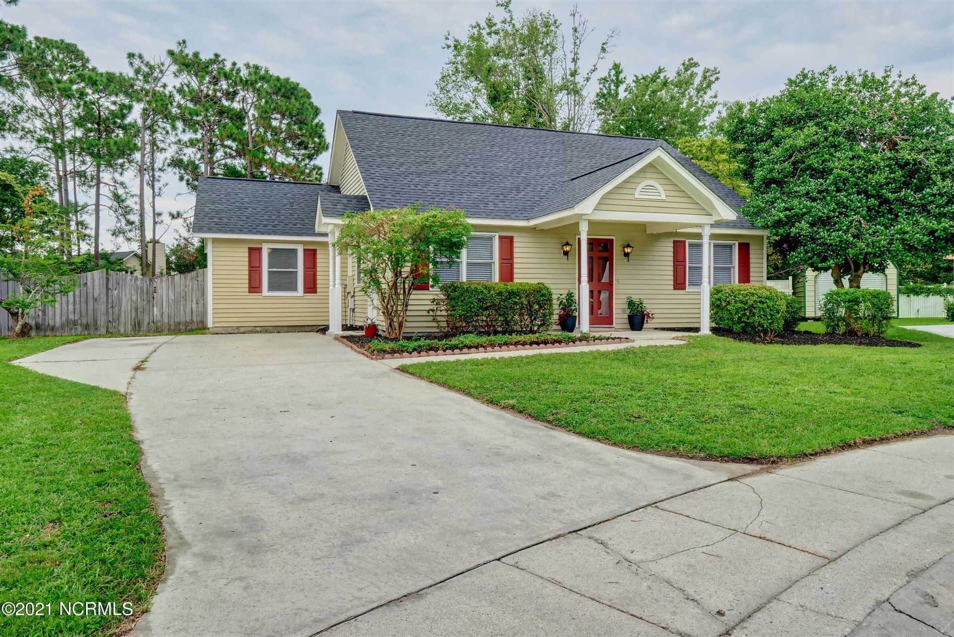 Photo for 6707 Rushwood Court, Wilmington, NC 28405 (MLS # 100282855)
