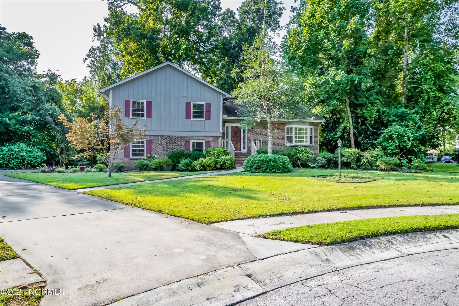 Photo of 104 Ivy Ridge Place, Jacksonville, NC 28540 (MLS # 100290856)