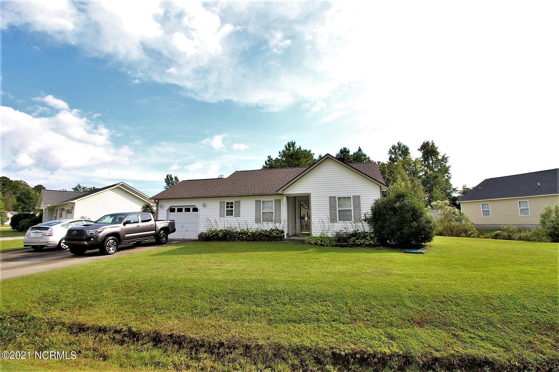 Photo of 119 Oakley Drive, New Bern, NC 28560 (MLS # 100294863)