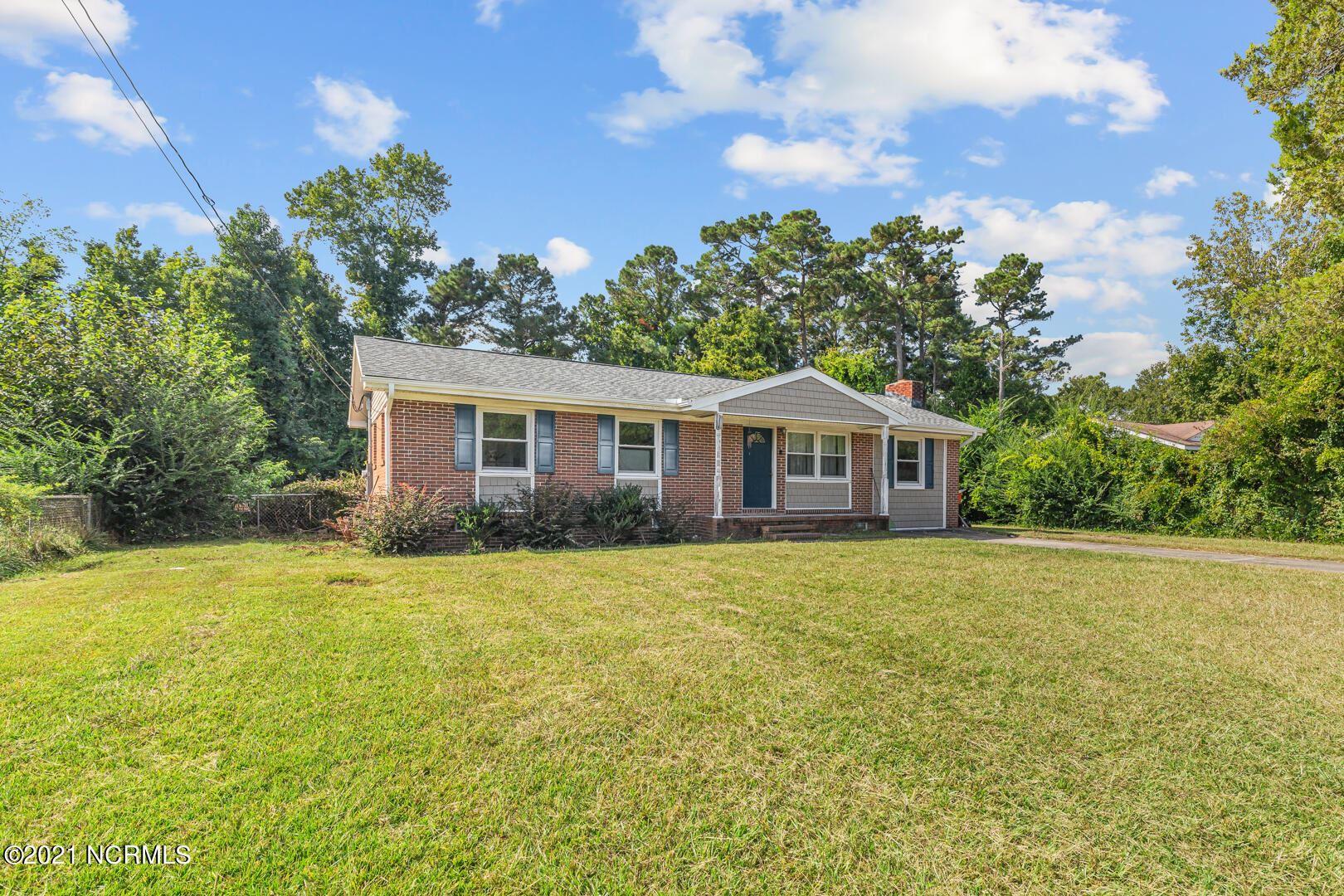 Photo of 23 Victoria Road, Jacksonville, NC 28546 (MLS # 100293866)