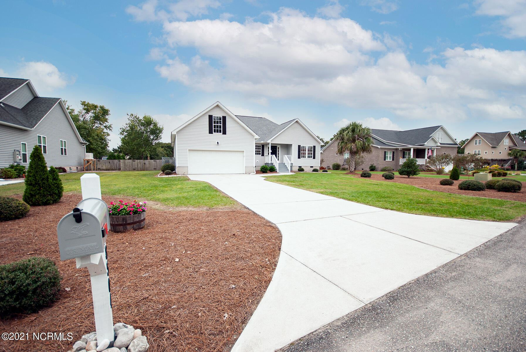 Photo of 8504 Lakeview Drive, Wilmington, NC 28412 (MLS # 100294867)