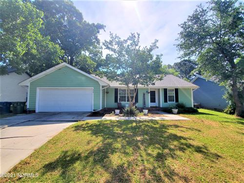Photo of 306 Preakness Lane, Sneads Ferry, NC 28460 (MLS # 100270870)