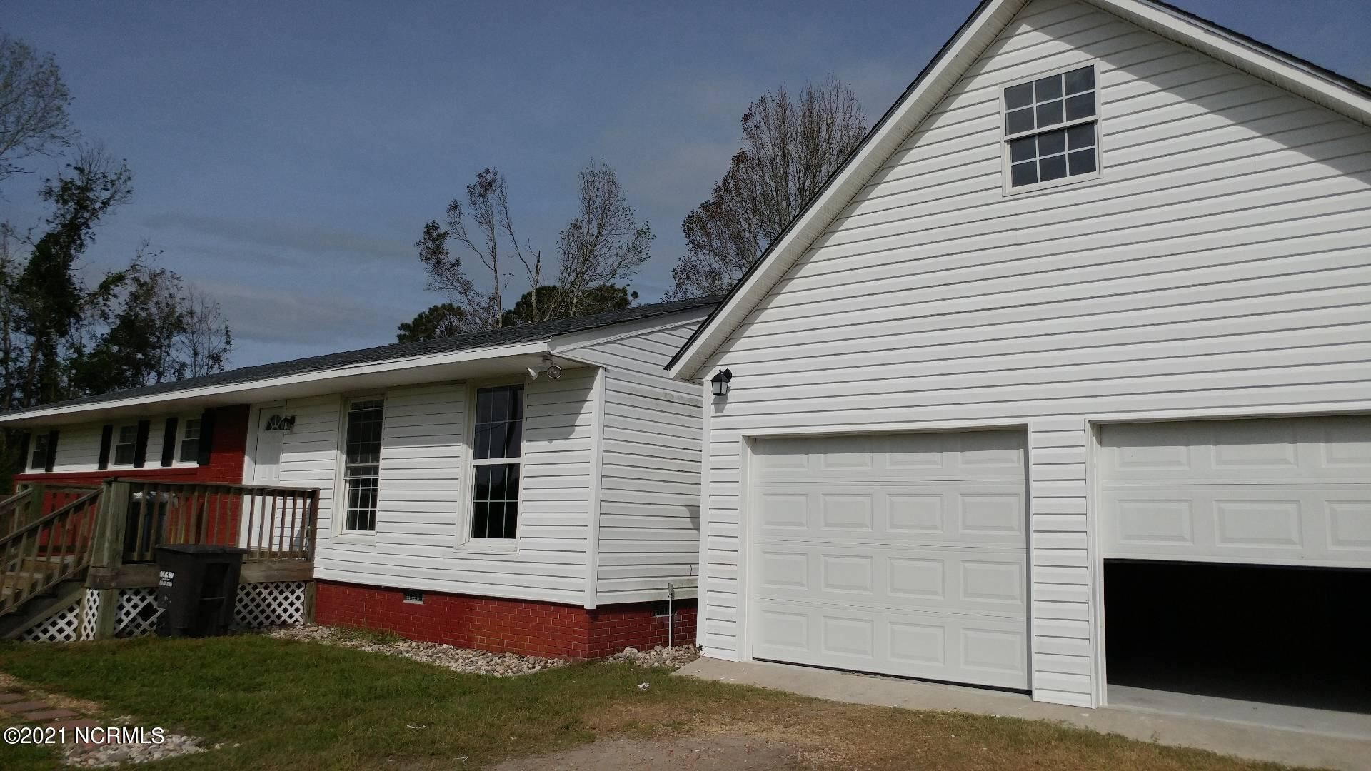 Photo of 225 Great Neck Landing Road, Swansboro, NC 28584 (MLS # 100292871)