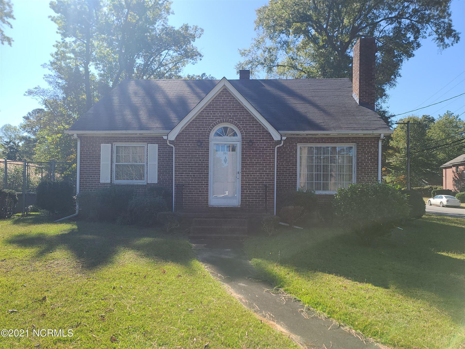 Photo of 301 Woodlawn Drive, Kinston, NC 28501 (MLS # 100295871)