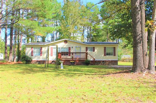 Photo of 211 Pond Road, Rocky Point, NC 28457 (MLS # 100190882)