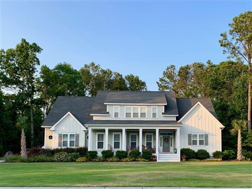 Photo of 112 W Colonnade Drive, Hampstead, NC 28443 (MLS # 100208883)