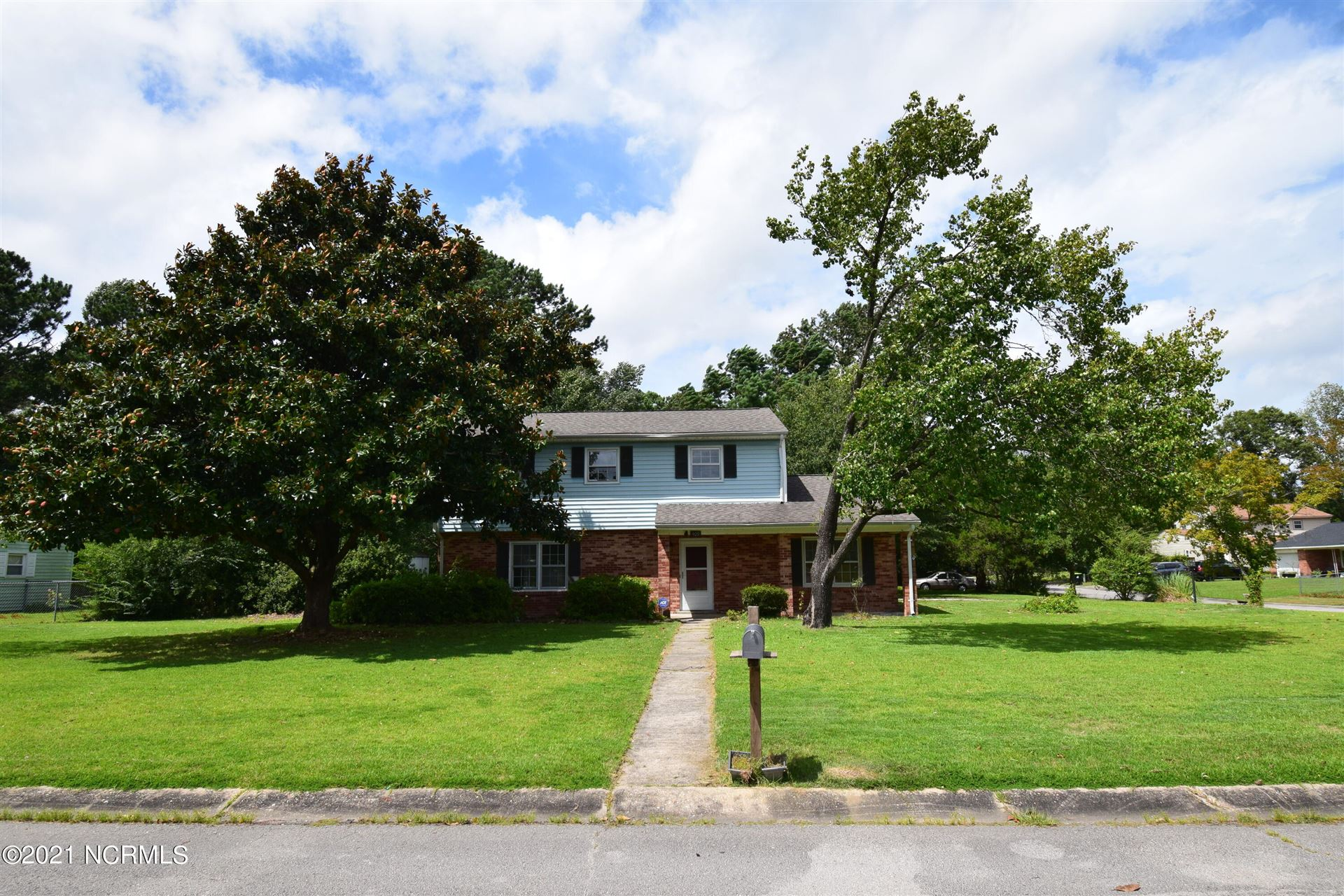 Photo of 409 Tower Drive, Jacksonville, NC 28546 (MLS # 100288883)