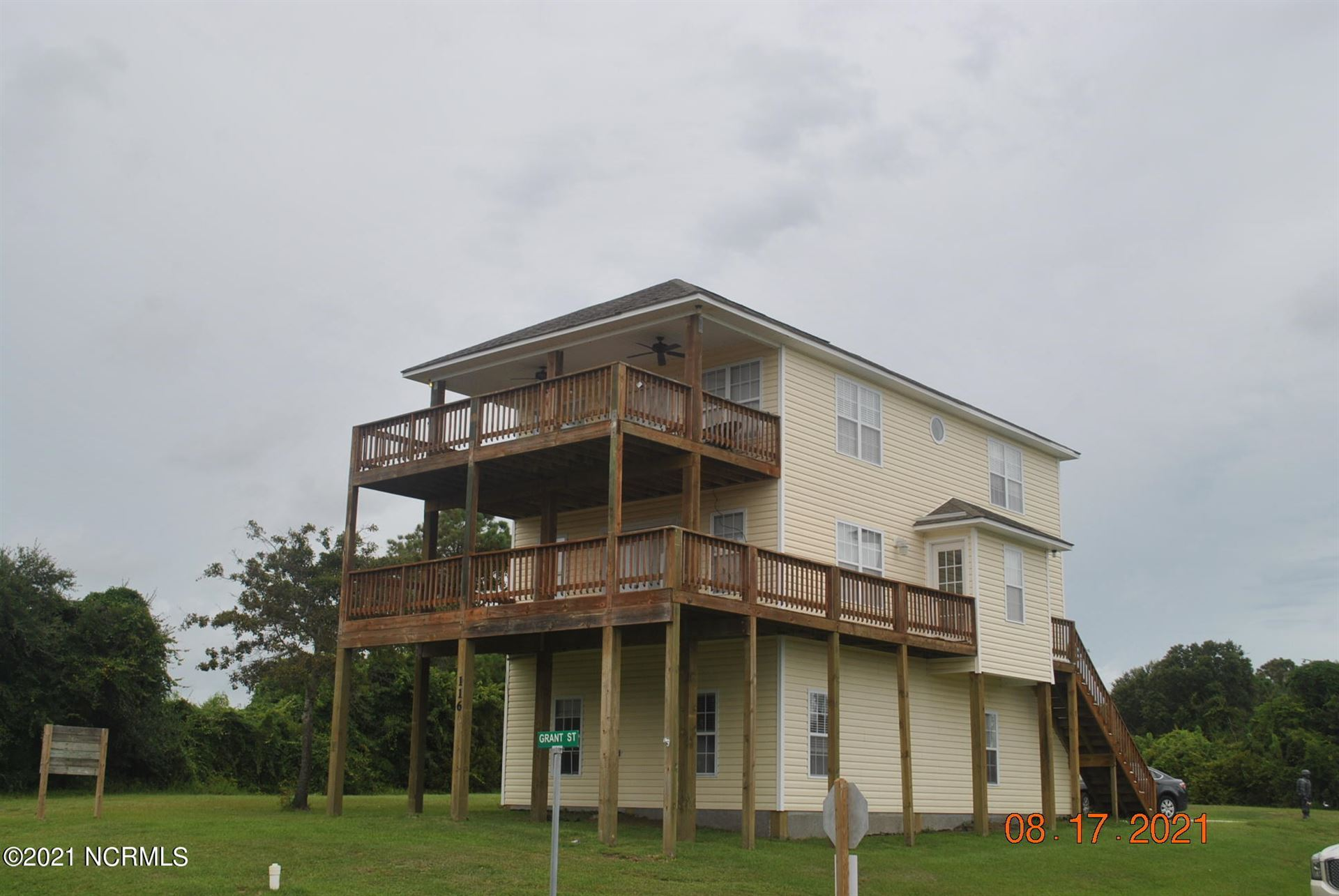 Photo for 116 Grant Street, Sneads Ferry, NC 28460 (MLS # 100286888)