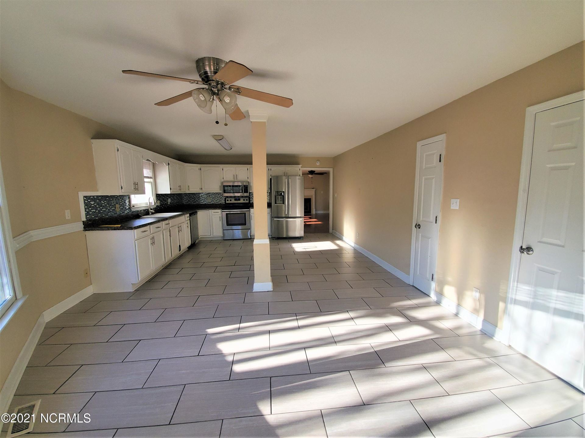Photo of 402 Whirl Away Boulevard, Sneads Ferry, NC 28460 (MLS # 100295894)