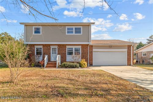 Photo of 103 Valley Court, Jacksonville, NC 28540 (MLS # 100248902)
