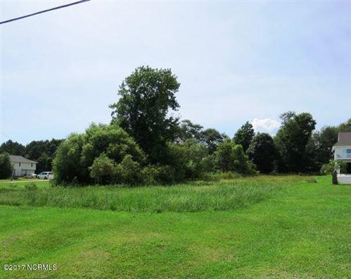 Photo of 102 Heron Cove Road, Hampstead, NC 28443 (MLS # 100215903)