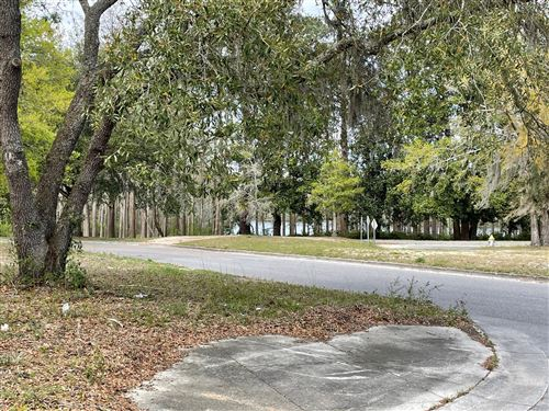 Photo of 1892 W Lake Shore Drive, Wilmington, NC 28401 (MLS # 100263912)