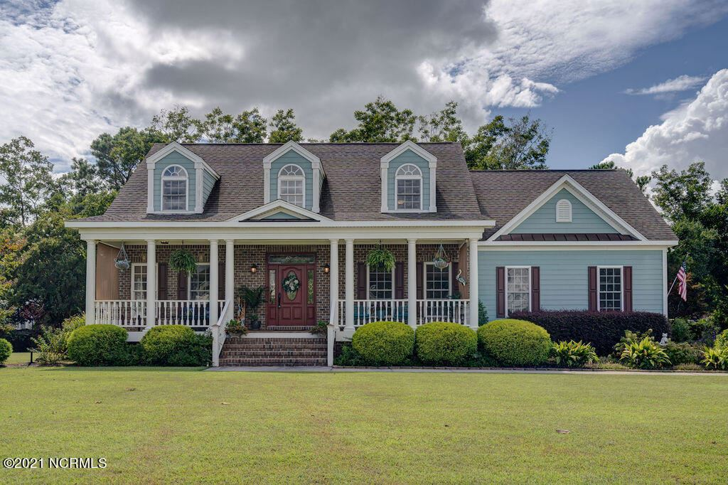 Photo of 205 N Sea Lily Court, Hampstead, NC 28443 (MLS # 100291918)