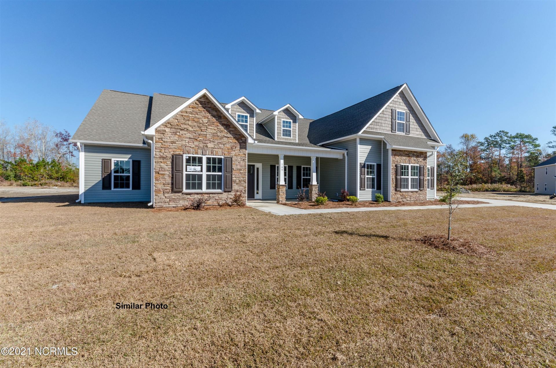 Photo for 401 Ibis Court, Sneads Ferry, NC 28460 (MLS # 100251919)