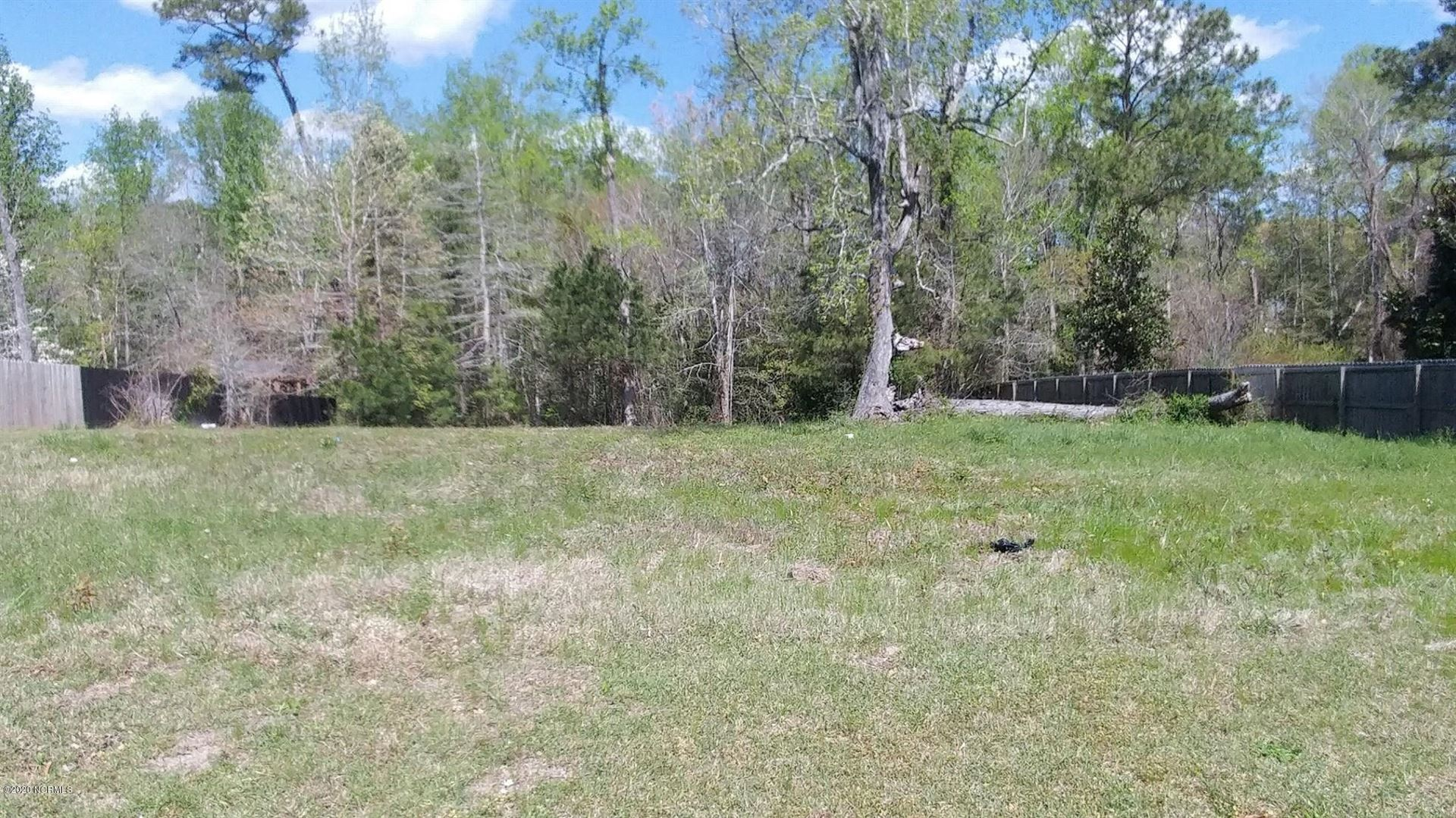 Photo for 122 Creeks Edge Drive, Sneads Ferry, NC 28460 (MLS # 100211921)