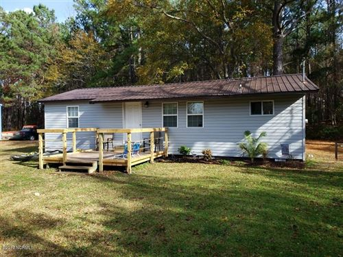 Photo of 137 Maypatch Road, Jacksonville, NC 28546 (MLS # 100195922)