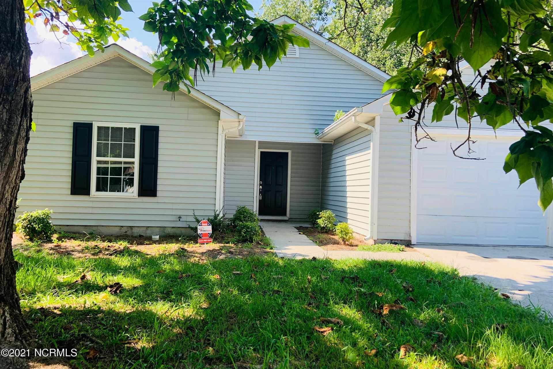 Photo of 2039 Steeple Chase Court, Jacksonville, NC 28546 (MLS # 100285926)