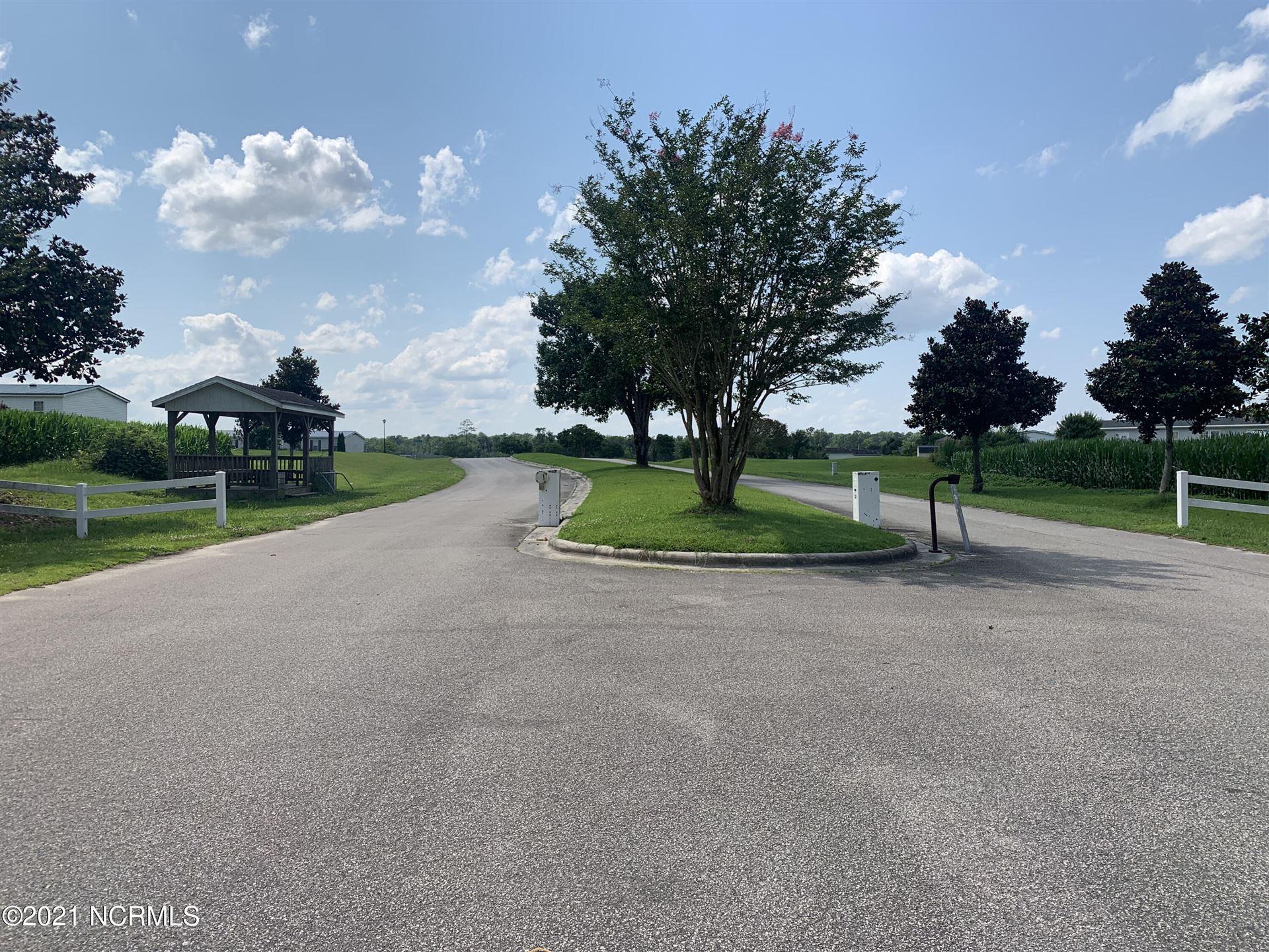 Photo of 206 Magnolia Drive, Stella, NC 28582 (MLS # 100277930)