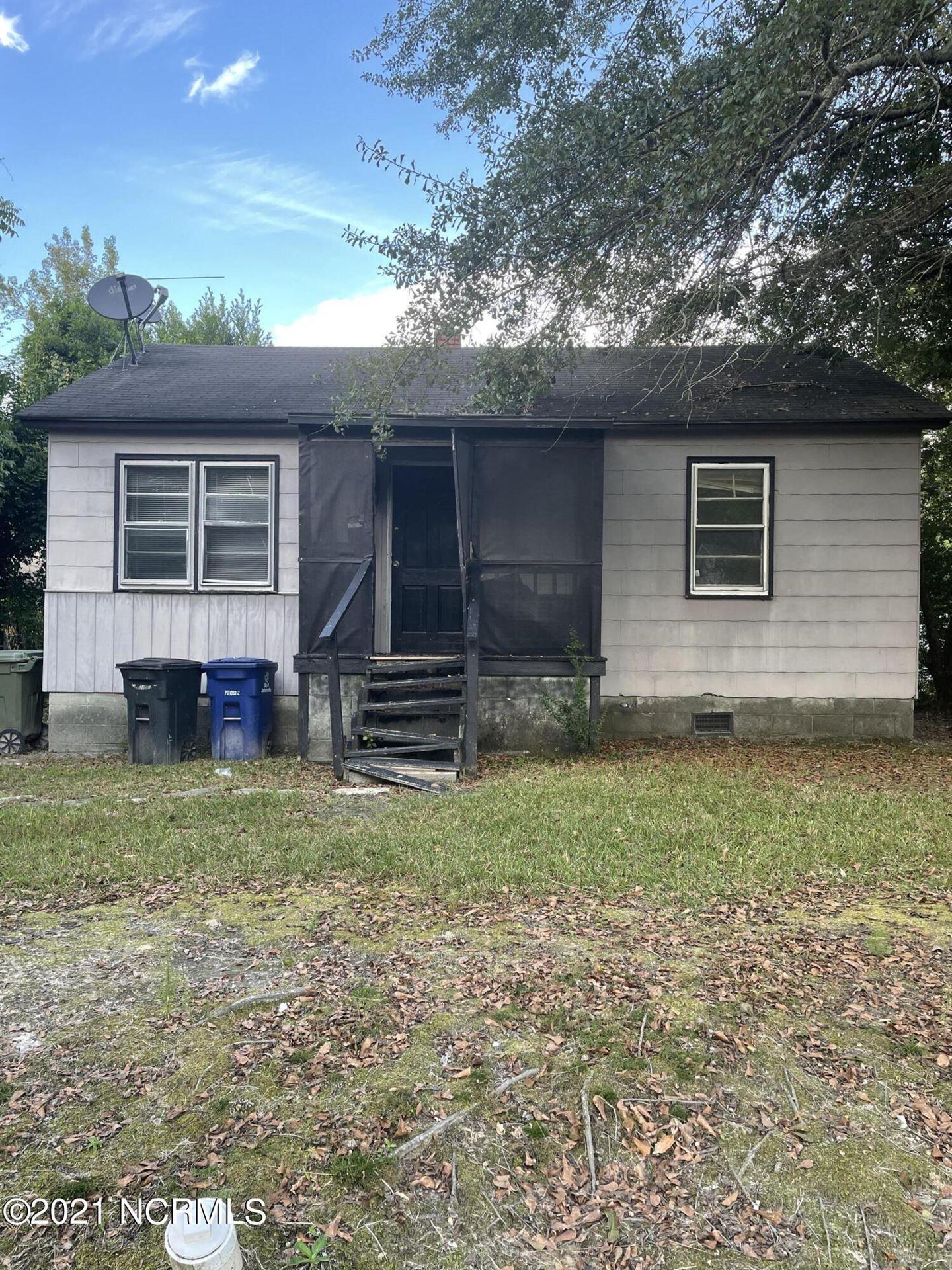 Photo of 308 Roosevelt Road, Jacksonville, NC 28540 (MLS # 100294931)