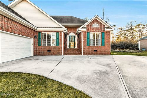 Photo of 409 Lakeview Drive, Hampstead, NC 28443 (MLS # 100197933)