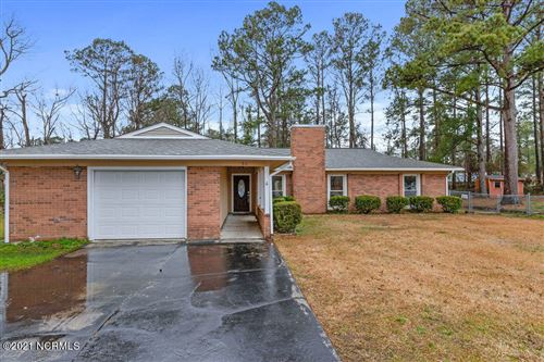 Photo of 511 W Springhill Terrace, Jacksonville, NC 28546 (MLS # 100255936)