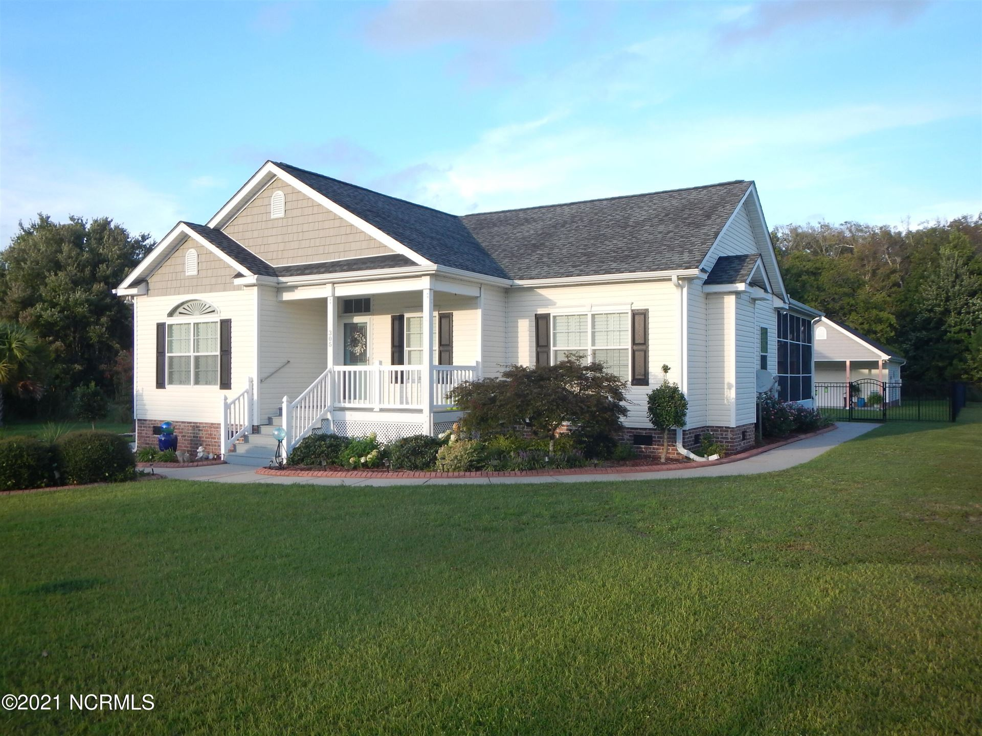 Photo of 305 Clear Water Dr Drive, Newport, NC 28570 (MLS # 100288938)