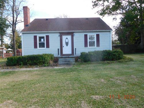 Photo of 107 Elizabeth Street, Richlands, NC 28574 (MLS # 100244943)