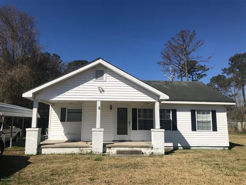 Photo of 316 Neuse Forrest Avenue, New Bern, NC 28560 (MLS # 100204946)