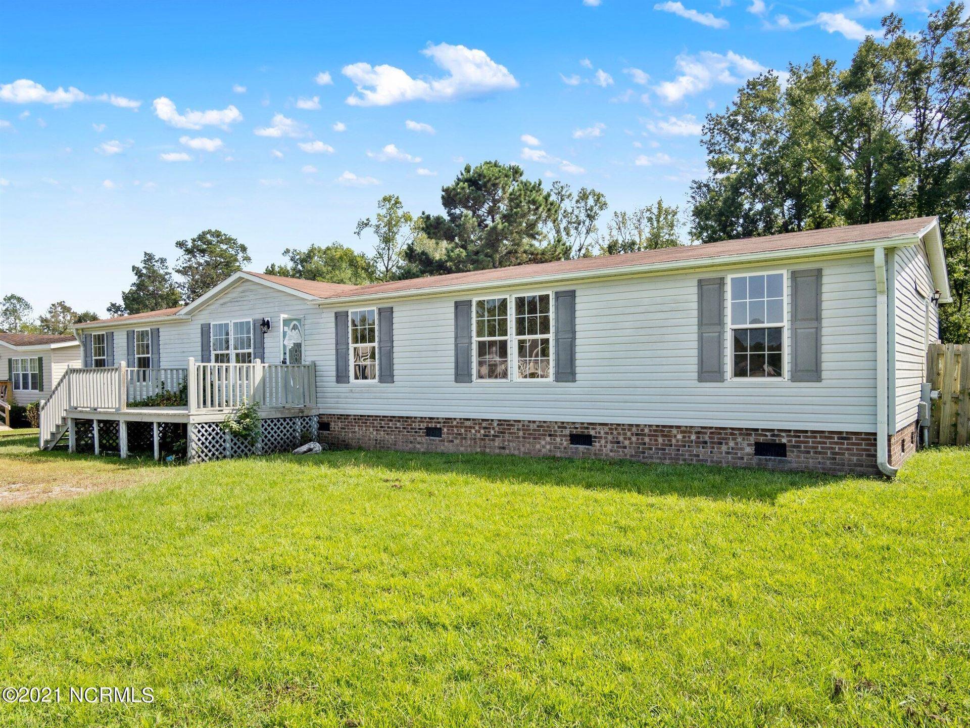 Photo of 105 Buckskin Drive, Maysville, NC 28555 (MLS # 100288948)