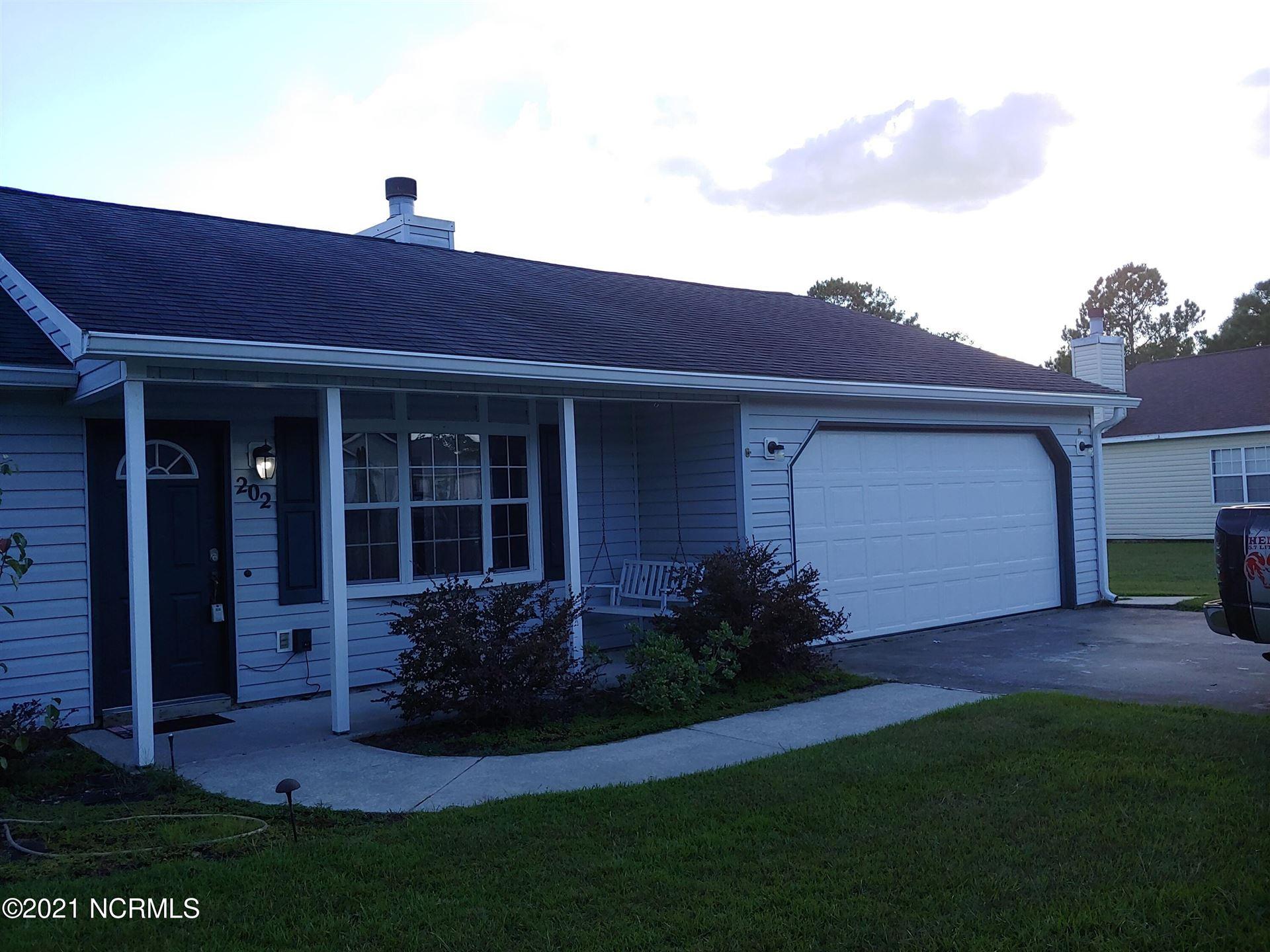 Photo of 202 Parnell Road, Hubert, NC 28539 (MLS # 100291949)