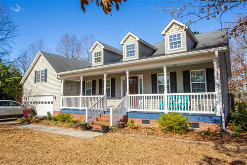 Photo of 110 Longleaf Lane, New Bern, NC 28562 (MLS # 100204950)
