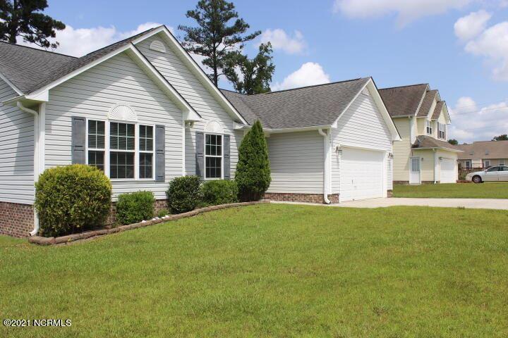 Photo of 204 Gillespie Drive, Hubert, NC 28539 (MLS # 100288953)
