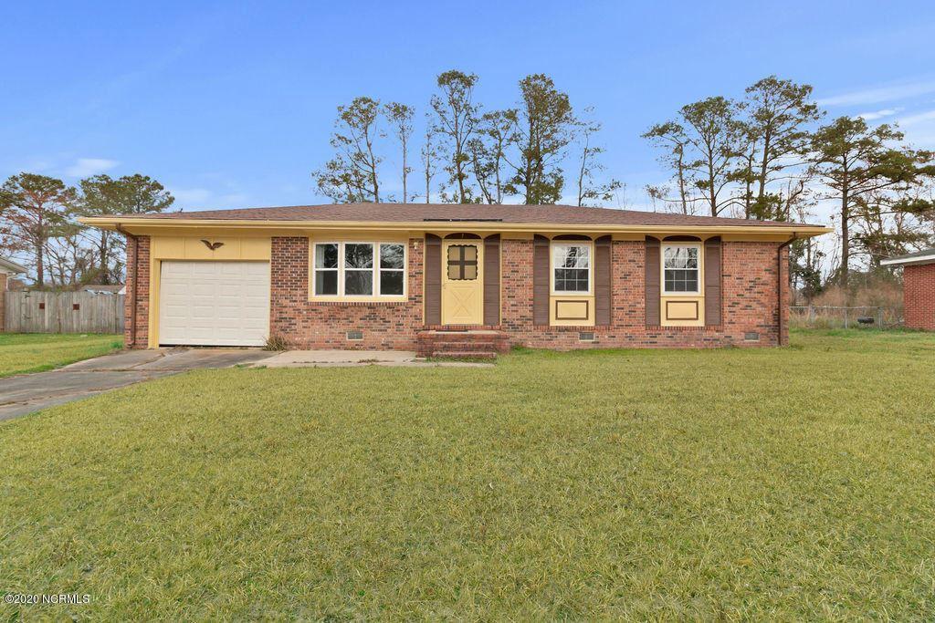 Photo of 7 Berkshire Drive, Jacksonville, NC 28546 (MLS # 100185954)