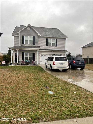Photo of 124 Groveshire Place, Richlands, NC 28574 (MLS # 100258956)