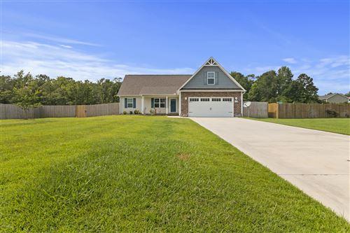 Photo of 206 Russell Farm Drive, Hubert, NC 28539 (MLS # 100225957)