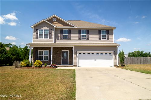 Photo of 403 S Bluff Circle, Jacksonville, NC 28540 (MLS # 100268958)