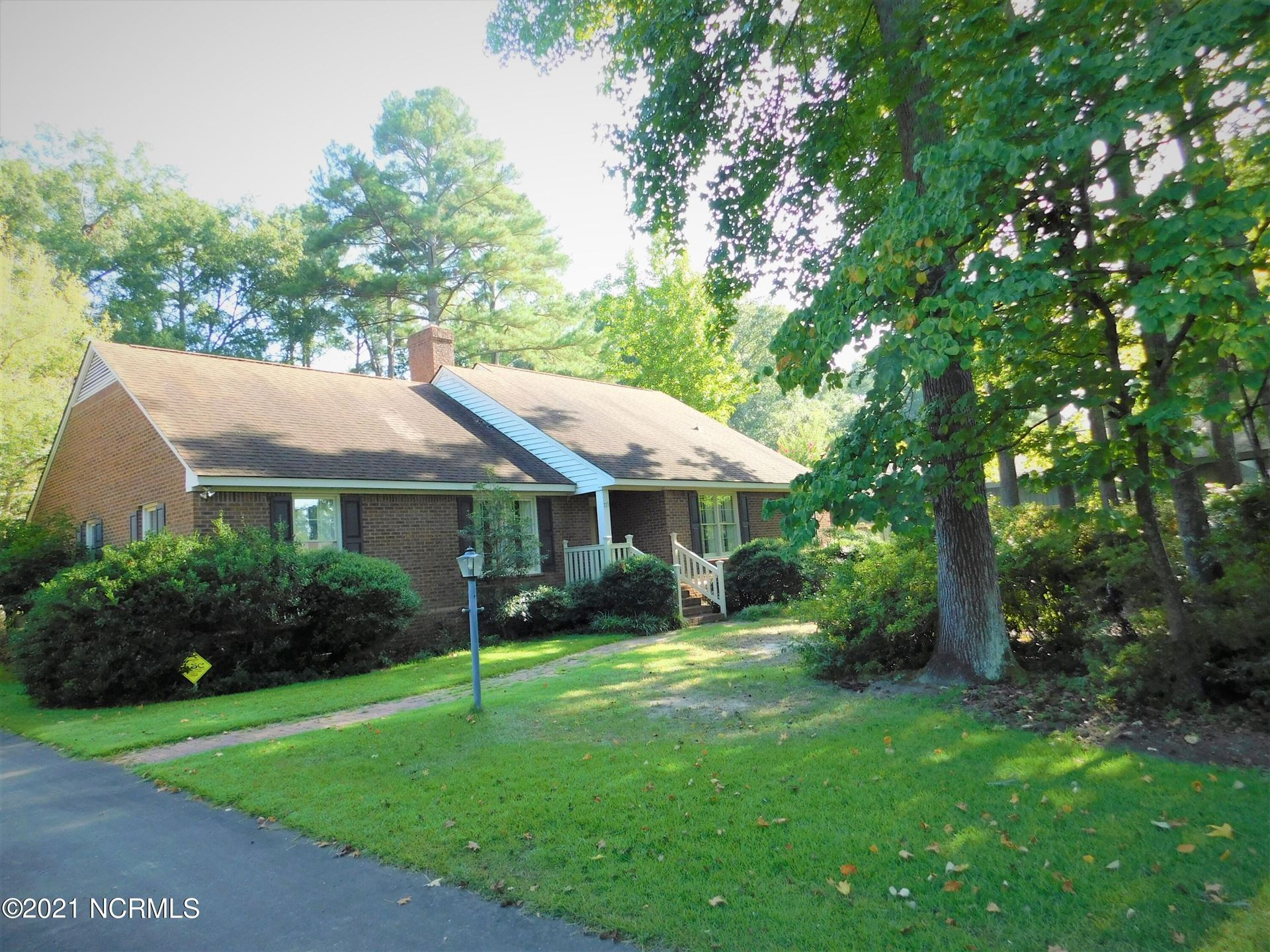 Photo of 719 S King Street, Laurinburg, NC 28352 (MLS # 100288958)