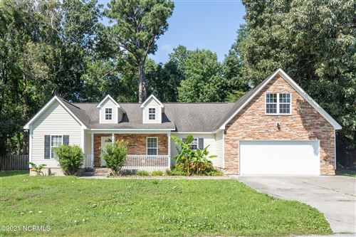 Photo of 214 Egret Point Drive, Sneads Ferry, NC 28460 (MLS # 100270962)