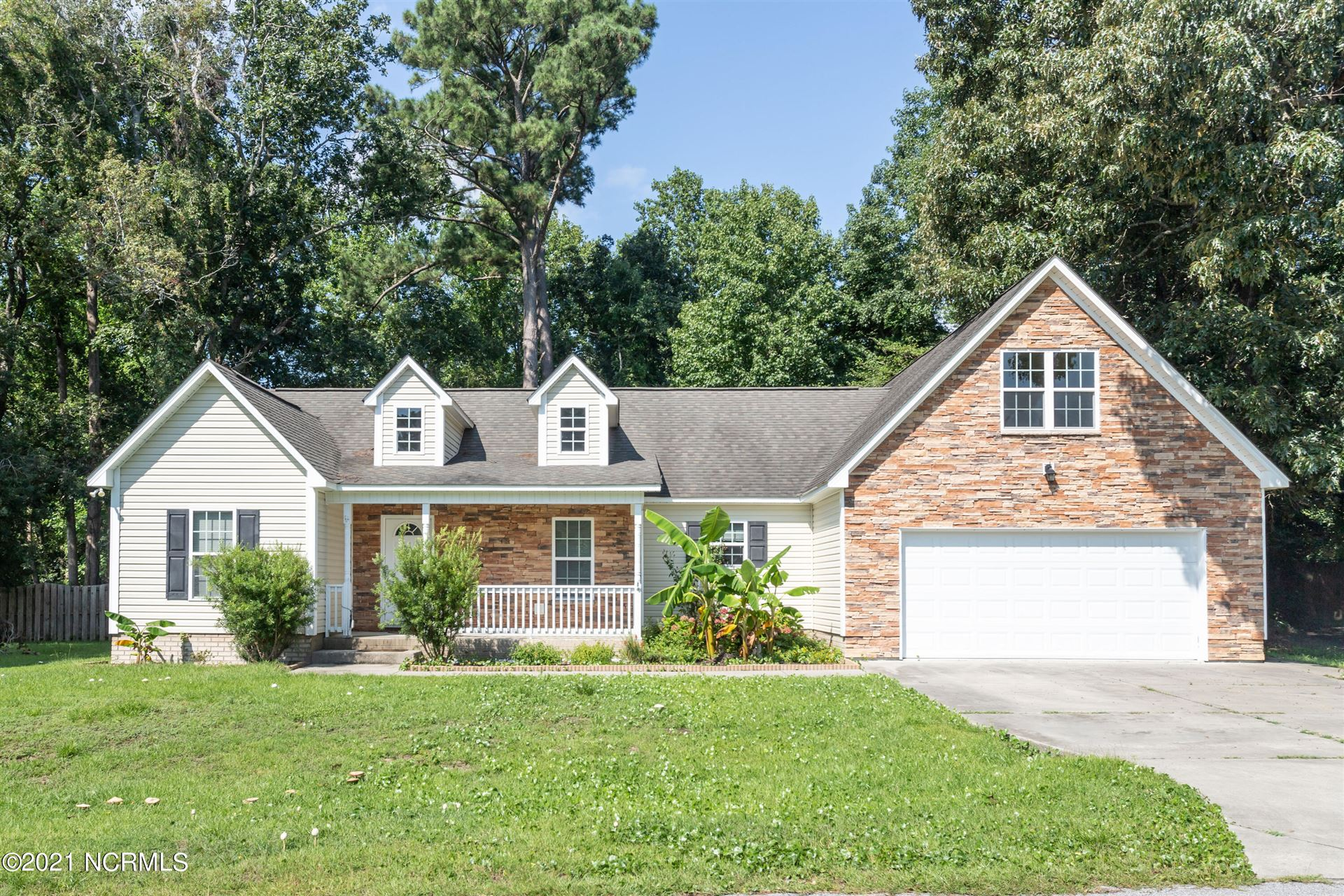 Photo for 214 Egret Point Drive, Sneads Ferry, NC 28460 (MLS # 100270962)