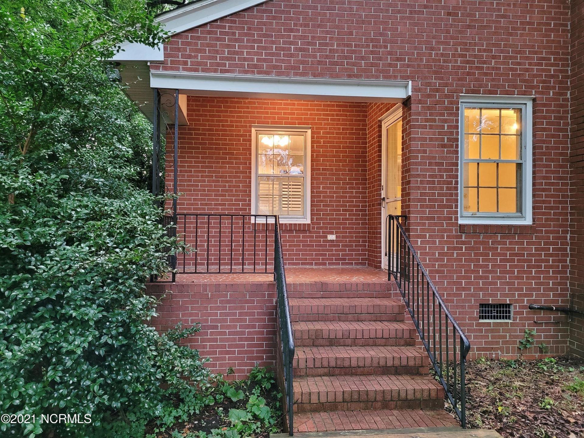 Photo of 802 Forest Hill Circle, Greenville, NC 27858 (MLS # 100284965)