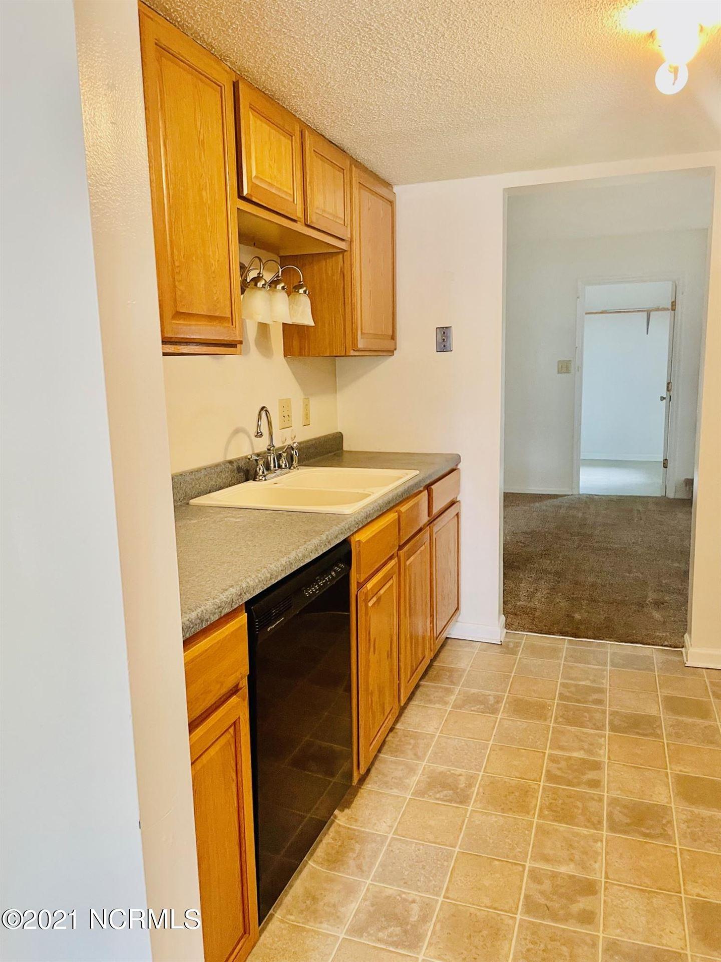 Photo of 211 Bracken Place, Jacksonville, NC 28540 (MLS # 100286966)