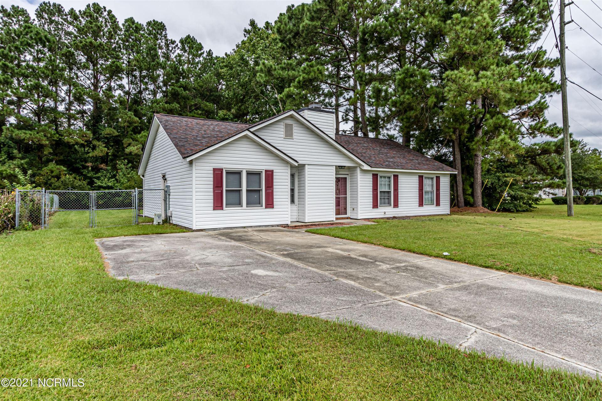 Photo of 211 Hunting Green Drive, Jacksonville, NC 28546 (MLS # 100290971)
