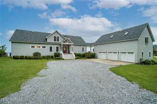 Photo of 925 Stately Pines Road, New Bern, NC 28560 (MLS # 100289972)