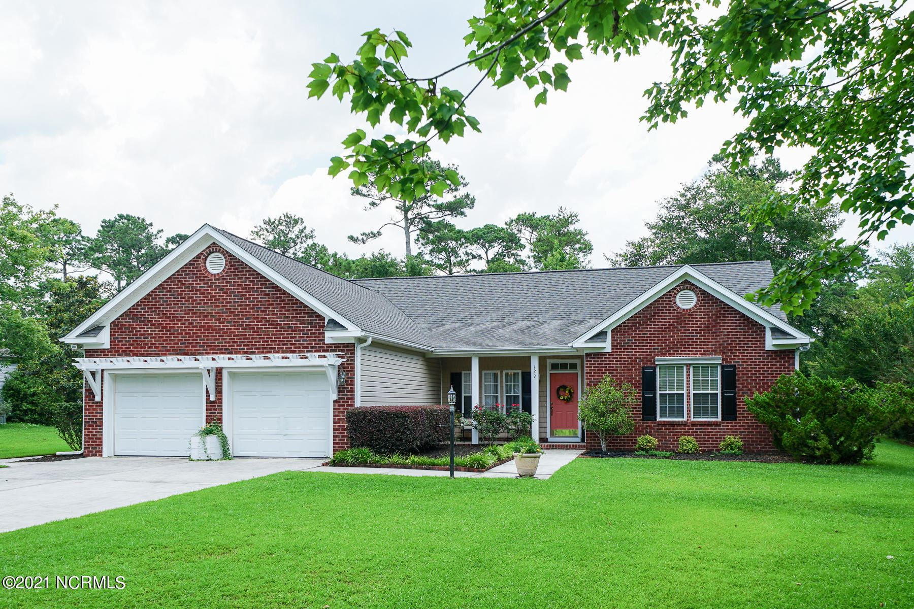 Photo for 129 Olde Point Road, Hampstead, NC 28443 (MLS # 100276974)