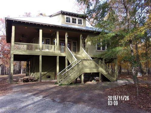 Photo of 1121 Riverview Drive, Burgaw, NC 28425 (MLS # 100194977)