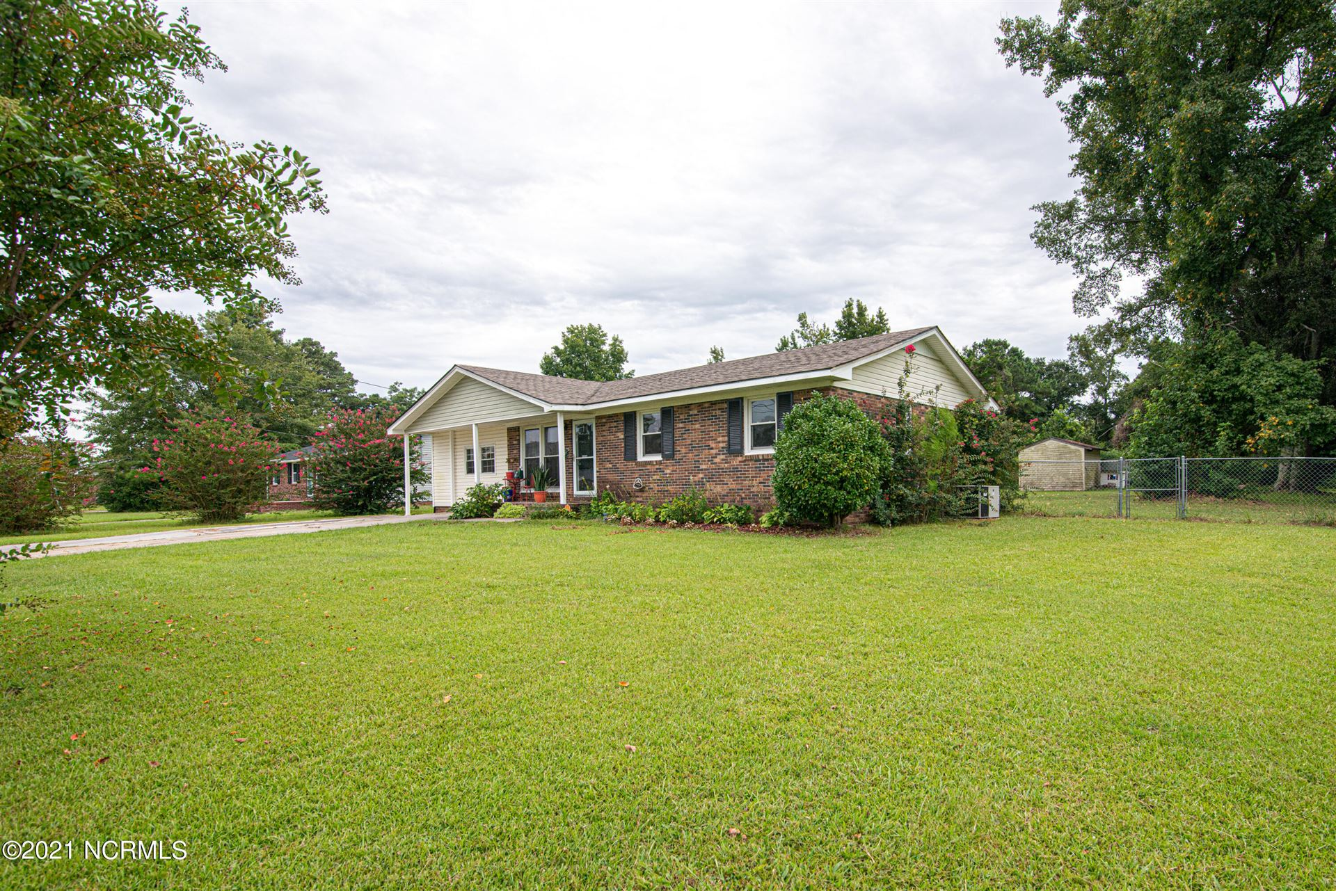Photo of 4 Sheffield Road, Jacksonville, NC 28546 (MLS # 100290978)