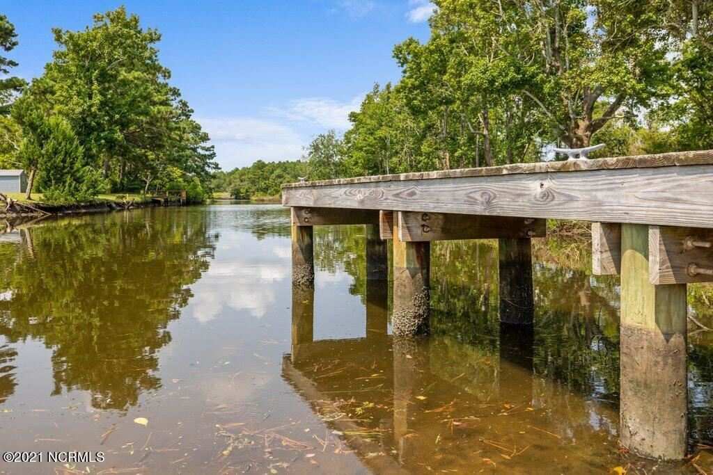 Photo of 204 River Oats Court, Holly Ridge, NC 28445 (MLS # 100284985)
