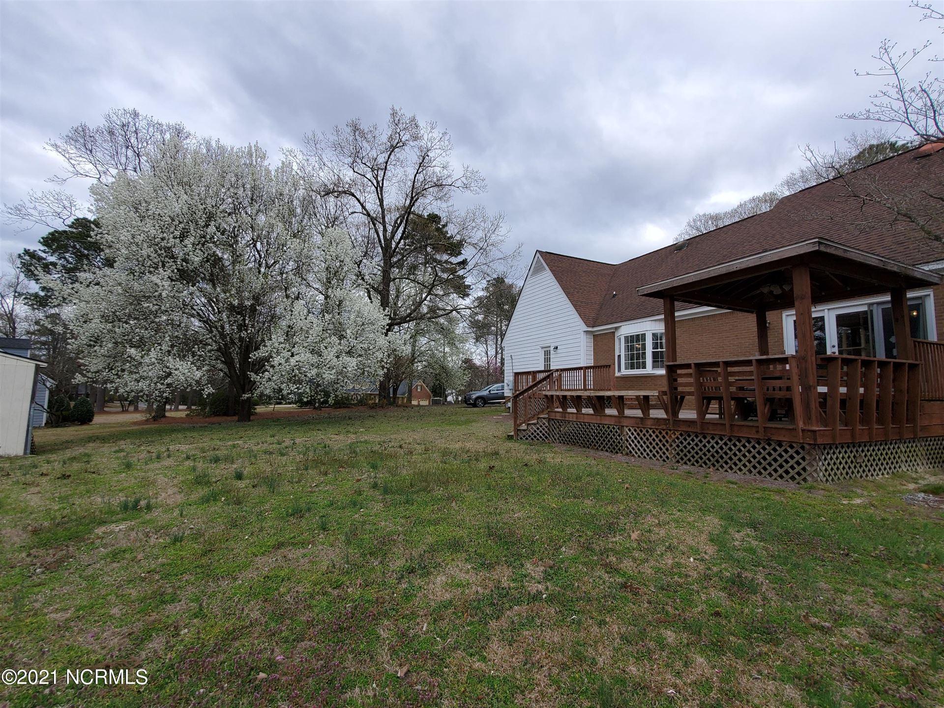 Photo of 101 W Arrowhead Drive, Clinton, NC 28328 (MLS # 100262986)
